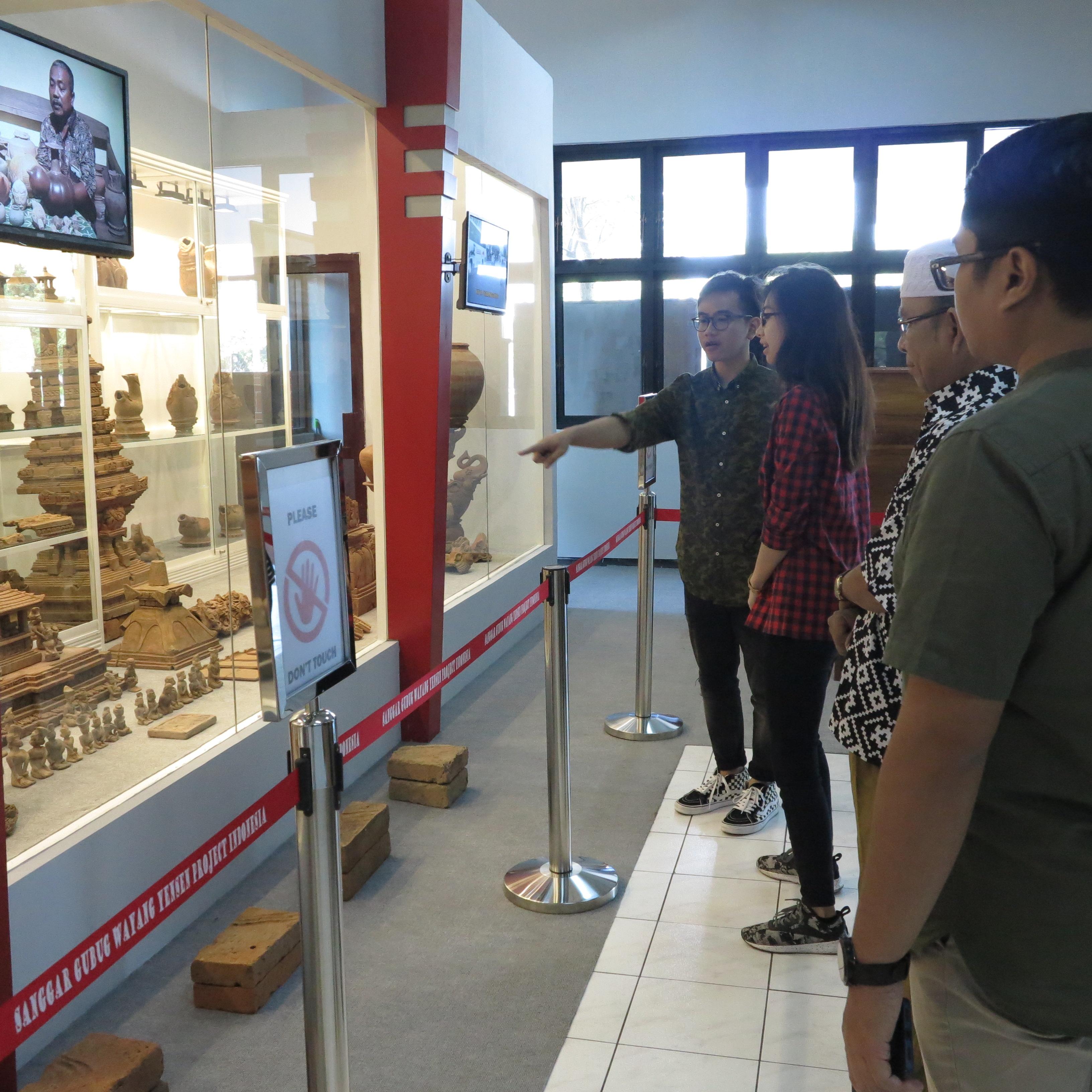 Kunjungan Mas Gibran di Temporary Museum