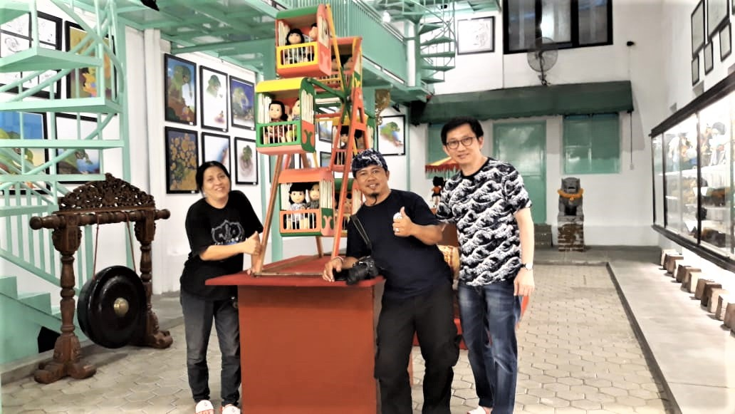 Rangkaian Solo Trip bertema Seni dan Budaya oleh Seniman Nusantara dari Bali @Dedok_Bali dan temannya ke Museum Gubug Wayang adalah kunjungan perdana. Mereka yang awalnya berkunjung ke beberapa situs